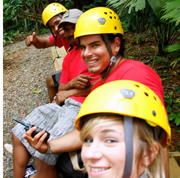 Alle Handbücher auf der Zipline Canopy Tour in Bocas del Toro sind perfekt geschult